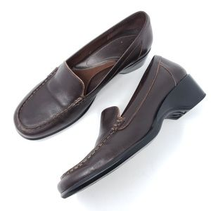 Clarks Heeled Loafers Brown Leather Moc Toe
